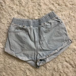Billabong - high waisted shorts - size small